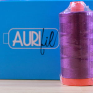 Aurifil Garn in der Farbe 'Medium Purple'